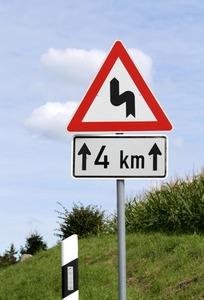 Verkehrsschild Kurve II